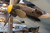 Rechtes Triebwerk der Messerschmitt Bf 110 F-2 vom Rumpf aus betrachtet