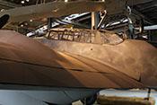 Blick über die linke Tragfläche auf den Rumpf der Messerschmitt Bf 110