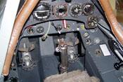Ruderpedale, Steuerknüppel und Instrumente der Fw 190 A-8