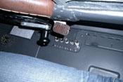 Handkurbel zum Öffnen und Schließen der Schiebehaube und elektrische Sicherungen