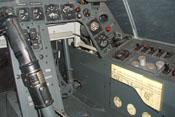 Rechter Fußraum mit Luft-Navigationskarte
