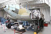 Ansicht der auf die Restaurierung wartenden CASA C-2-111.B (Lizenzbau der Heinkel He 111 H-16) im Imperial-War-Museums in Duxford