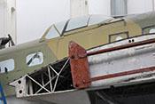 Tragflächenkonstruktion und B-Stand auf dem Rumpfrücken des Bombers