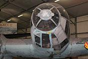 Asymetrische Vollsichtkanzel der Heinkel He 111 von vorne gesehen