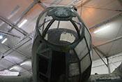 Gefechtskuppel (A-Stand) an der Spitze der vollverglasten Cockpitkanzel
