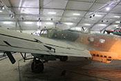 Blick über die Tragfläche auf den Flugzeugrumpf