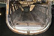 Zum Schutz des C-Stand-Schützen ist die Bodenwanne der Heinkel He 111 mit einer Panzerung versehen
