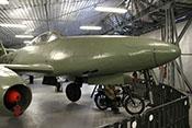 Rumpfspitze der Me 262 mit Haubenteil der Bordwaffenabdeckung