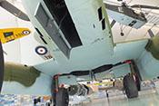 Rumpfunterseite der Me 262 mit dem Hauptfahrwerk und dessen Restabdeckungen
