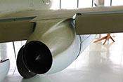 Blick auf die Ausstoßöffnung des Triebwerkes zwischen der inneren und äußeren Landeklappe