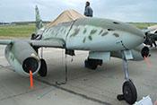 Abdeckung über dem Windschutzaufbau des Cockpits