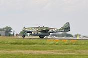 Die Me 262 nach der Flugvorführung beim Ausrollen auf der Landebahn