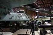 Rumpfhinterteil der Me 262 B-1a mit dem auslaufenden Kabinenaufbau und dem anschließenden Leitwerksträger
