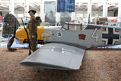Ansicht von links auf die Messerschmitt Bf 109 E des Imperial War Museums in Duxford