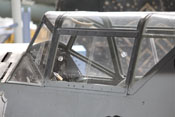 Cockpit der Bf 109 mit Vorder-, Mittel- und Rückteil des Windschutzaufbaues