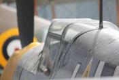 Blick von hinten auf den Windschutzaufbau, Kraftstoffdeckel und Antennenmast