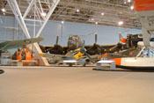 Messerschmitt Bf 109 F-4 'WNr. 10132' zwischen anderen Exponaten des kanadischen Luft- und Raumfahrtmuseums