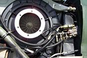 Turbolader und Hydraulikschnellkupplungen auf der linken Seite des Flugzeugtriebwerkes Daimler-Benz DB 605