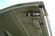 Hebelverschluss der oberen Triebwerkverkleidung der Messerschmitt Bf 109