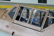 Windschutzaufbau mit offenem Seitenfenster
