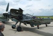 Geöffnete obere Triebwerkabdeckung der Messerschmitt Bf 109 G-6 FM+BB