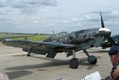 Ansicht der Messerschmitt Bf 109 G-6 FM+BB von vorne rechts