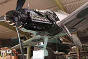 Daimler-Benz DB605-Flugtriebwerk mit großem Lader