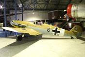 Messerschmitt Bf 109 G-2 'WNr. 10639' in der Bomberhalle des RAF-Museums in London-Hendon