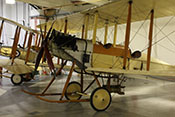 Britischer Bomber Royal Aircraft Factory BE2b von 1914 im RAF-Museum London-Hendon