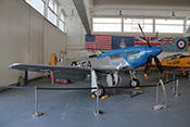 "US-amerikanisches Jagdflugzeug North American P-51D Mustang ""Little Ite"""