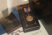 Air Medal und das entsprechende Verleihungsetui