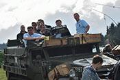 GrafZorn, Widukind, Lebano, Balthasar, Jos, Alter Fritz, Helofly und Kruger auf M3 Half-Track