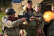 Mündungsfeuer einer Thompson-Maschinenpistole