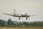 Douglas DC-3 'Dakota' (LN-WND) im Landeanflug