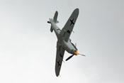 Hispano Buchon HA-1112 MIL im Sturzflug