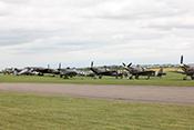 Spitfires an der Flightline
