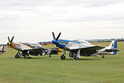 P-51D 'Mustang' Moonbeam-McSwine und TF-51D 'Mustang' Miss-Velma (1944)