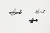 Formation der Flying Bulls mit Lockheed P-38 'Lightning' (1944)