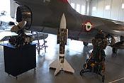 Bordradar, Raketen-Lenkwaffe und Schleudersitz vor dem Heck des F-104G Starfighters