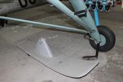 Radfahrwerk und optionale Schneekufen der Fieseler Fi-156 'Storch'