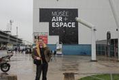 JG4_Bendwick vom dem Eingang des Luft- und Raumfahrtmuseums Paris / Le Bourget