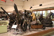 Kriegsdiorama und Minenwerfer