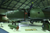 North American B-25 'Mitchell' und HC 2000 LB Mk.I Luftmine