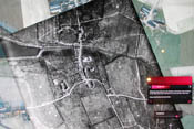 Collage aus historischen Luftaufnahmen und aktuellen Satellitenfotos