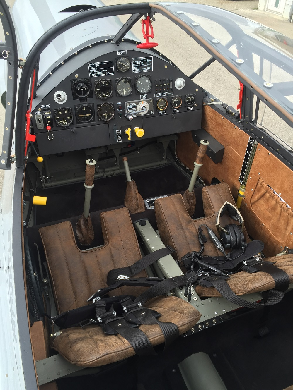 Bf108_cockpit.jpg
