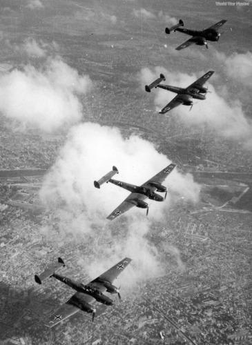 Me110_formation.jpg
